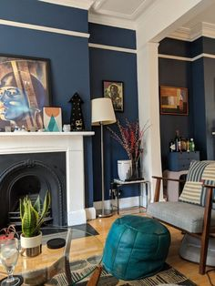 Victorian decor ideas - Victorian living room colours and inspiration for a victorian home including victorian home decor, victorian living room decor traditional styles and victorian house ideas.