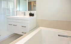 Choose taps and handles that match! Home, House, Bathtub