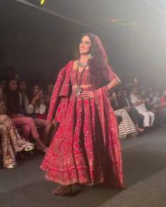 Genelia D'Souza walks the Ramp at Lakme Fashion Week ♥️ – Rose Patrice Fashion Show Dresses, Indian Fashion Dresses, Indian Bridal Outfits, Indian Party Wear, Indian Designer Outfits, Designer Dresses, Wedding Dresses For Girls, Lakme Fashion Week, Bollywood Fashion
