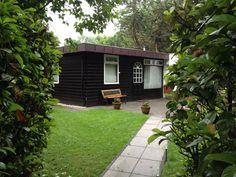 Ferienhaus in einem Ferienpark am Veluwemeer. 50qm Wfl. 220 qm Grundstück.