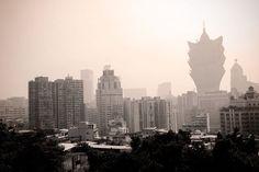 Macau vista da Fortaleza do Monte. Destaque para o hotel Gran Lisboa. http://fuievouvoltar.com