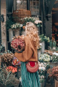 Shopping Blumen, Mode, Farbkombination, Herbstwettermode, Vintage Source by interessantina moda 2019 Vintage Beauty, Vintage Glamour, Colour Combinations Fashion, Fashion Colours, Clothes Combinations, Look Fashion, High Fashion, Autumn Fashion, Fashion Spring