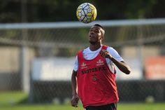 Após problema muscular, Copete se diz preparado para enfrentar o Inter…