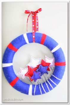 4th of July Wreath - good for a kid project