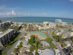 Open House this Sunday from 1-4p.m.! 945 Benjamin Franklin Dr, #6, Sarasota, FL 34236! Meticulously maintained 2 bedroom 2 bath unit in Lido Beach House! #OpenHouse #RealEstate #LidoKey
