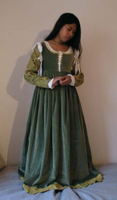 italian medieval gown - Google Search