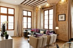Un Faro de Ideas: REFUGIO EN PARIS