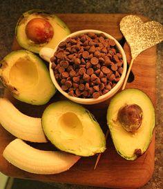avacadobrownies - way too much salt in the recipe. Banana Brownies, Avocado Brownies, Healthy Food, Healthy Recipes, Food N, Nom Nom, Salt, Fruit, Healthy Foods