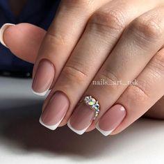 Neutral Nail Art, Subtle Nails, Bridal Nail Art, Classic Nails, Bride Nails, Lego Creator, Minimalist Nails, Boxing Day, Yellow Nails