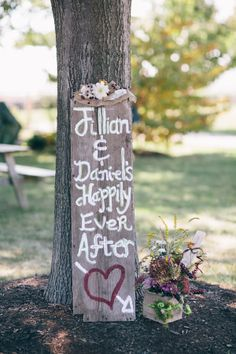 happily ever after rustic wedding sign #weddingsign #happilyeverafter #farmwedding http://www.weddingchicks.com/2013/12/20/illinois-fall-wedding/