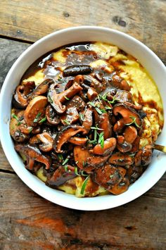 Vegan Creamy Polenta and Red Wine Mushrooms - Rabbit and Wolves. Easy, cozy, and so delicious. It doesn't get much better than this!Easy Recipes This decadent meal if polenta and red wine mushrooms only takes 40 minutes to ge.Vegan Creamy Polenta and Veggie Recipes, Whole Food Recipes, Cooking Recipes, Healthy Recipes, Fall Vegetarian Recipes, Free Recipes, Vegan Polenta Recipes, Vegetarian Dishes Healthy, Tasty Recipes For Dinner