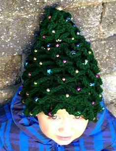 Moose Mouse Creations: Beaded Christmas Tree Hat with a Jingle Bell on Top