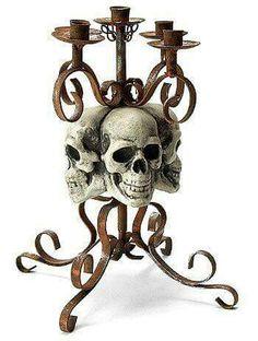I freakin' love skulls