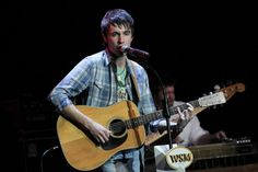 Mo Pitney Shares a New Single, 'Everywhere' [LISTEN]