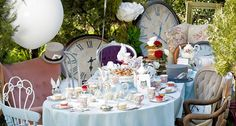 HomeStyle - - 10 tricks for a flawless Alice In Wonderland tea party!