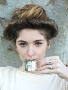 Gibson Girl hair--yes, this totally rocks.