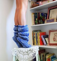 To show you some really amazing slipper style we have these DIY 30 easy fast crochet slippers patterns that you can try at home and thus save a lot of your mon Crochet Slipper Boots, Crochet Slipper Pattern, Crochet Slippers, Crochet Patterns, Felted Slippers, Slipper Socks, Fast Crochet, Crochet Cozy, Crochet Crafts