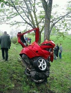 Cars Discover car crash photos How fast was this car going? Jorge Martinez Funny Accidents Combi Vw Weird Cars Car Crash Car Insurance Hot Cars Exotic Cars Cars And Motorcycles Jorge Martinez, Car Fails, Funny Accidents, Horror, Combi Vw, Weird Cars, Car And Driver, Car Insurance, Autos