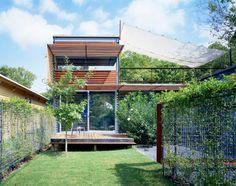 แบบบ้านสองชั้นสมัยใหม่ กับพื้นที่สวนในบ้าน เชื่อมต่อชีวิตเข้ากับความเป็นธรรมชาติ | NaiBann.com