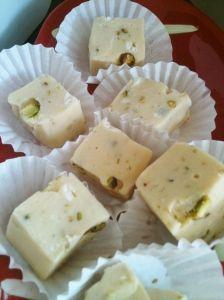 Irish cream and pistachiofudge
