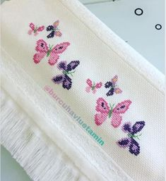 Cross Stitch Sea, Butterfly Cross Stitch, Cross Stitch Animals, Cross Stitch Flowers, Cross Stitch Patterns, Seed Bead Tutorials, Beading Tutorials, Bouquet Box, Cross Stitch Pictures
