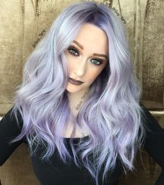 Georgeous silver violet hair color and style by Guy Tang Hair Artist hotonbeau Silver Lavender Hair, Lavender Hair Colors, Violet Hair Colors, Hair Color Purple, Purple Ombre, Purple Gray, Silver Color, Silvery Purple Hair, Purple Bob