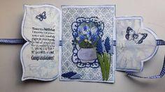 Gisteren aan de slag geweest met één van de nieuwe     Dutch Doobadoomallen card art fold A4. Deze heb ik eerst uit wit cardstock overgetrokken en randen beïnkt met Distress…