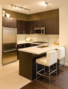 How to make small kitchen look bigger? Interiorforlife.com Contemporary kitchen with quartz countertops