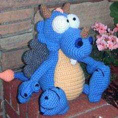 Snuggles amigurumi crochet pattern by Erin's Toy Store