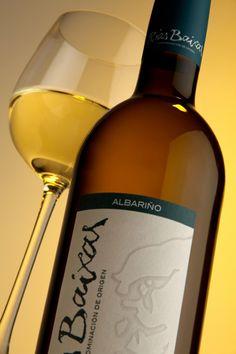 Win a Hamper of Albariño Wine To Celebrate The Inaugural Spanish Wine Week - http://www.competitions.ie/competition/win-hamper-albarino-wine-celebrate-inaugural-spanish-wine-week/