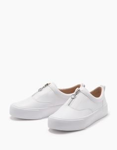 Mens Boots Fashion, Fashion Shoes, Womens Ripped Jeans, Casual Slip On Shoes, Boho Shoes, Baskets, White Shoes, Designer Shoes, Me Too Shoes