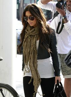 Kim Kardashian http://www.stylebistro.com/lookbook/Solid+Scarf/P4Dmm0AnXcn/angle/kBFsJkTMUCe