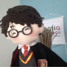 Harry Potter, Baby Mobile Felt, Felting, Mickey Mouse, Disney Characters, Fictional Characters, Dolls, Diy, Fabric Dolls