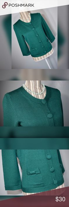 "🍀🎀Banana Republic Cardigan🎀🍀 Green wool cardigan with large buttons and now embellished front pockets by Banana Republic. Size Medium.   Closure: 6 Buttons  Material: 100% Merino Extra Fine Wool  Measurements Bust: 34"" lying flat, stretches to 38""  Waist: 34"" lying flat, stretches to 40""  Shoulder to Hem Length: 21""  Sleeve Length: 36"" Banana Republic Sweaters Cardigans"