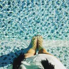 Time flies when you are having fun - The weekend is over too quickly  #morocco #marokko #moroccan #marrakech #marrakesch #medina #pool #poolside #lamamounia #mamounia #lamamouniahotel #bluewater #water_perfection #water_brilliance #clearwater #goodvibes #sunshine #fwis #potd #travel #travelblog #travelblogger #traveler #traveloften #bucketlist #poolparty #travelergirl #bucketlistcheck #fernweh #wanderlust @lamamouniamarrakech