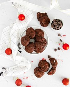 These chocolate peppermint bark cookies are an easy and fun holiday sweet treat. Rich and fudgy with just a hint of white chocolate and peppermint flavor. Cookie Recipes From Scratch, Healthy Cookie Recipes, Holiday Cookie Recipes, Holiday Cookies, Christmas Recipes, Chocolate Peppermint Bark, Peppermint Candy, Homemade Oreos, Basic Cookies