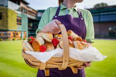 Strawberries and scones = classic Wimbledon delights. Wimbledon Strawberries And Cream, Scones, Great Recipes, Seafood, Food And Drink, Strawberry, Baking, Tennis, Lisa