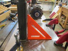 Knife maker shows you step-by-step. Tutorials on building a belt grinder, electric heat treating oven, DIY Micarta and much more. Knife Grinding Jig, Knife Grinder, Bench Grinder, Homemade Tools, Diy Tools, 2x72 Belt Grinder Plans, Diy Belt Sander, Homemade Machine, Knife Making Tools