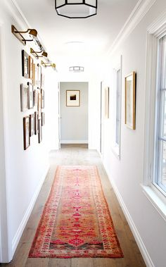 Picture wall + long rug