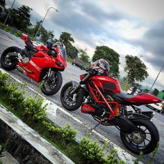 Ducati 899 panigale and streetfighter