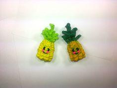 3-D Happy Pineapple Tutorial (Rainbow Loom) by Feelin' Spiffy.