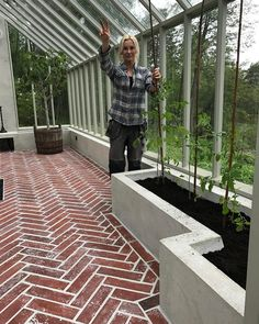Beautiful greenhouse from new built by fantastic garden professional . We are happy and proud they did chose our Reclaimed Red fishbone tiles for this project. Most beautiful garden house . And the view. Best Greenhouse, Backyard Greenhouse, Greenhouse Wedding, Greenhouse Plans, Homemade Greenhouse, Portable Greenhouse, Pallet Greenhouse, Pergola Garden, Earthship