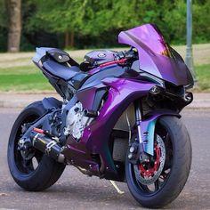 Image may contain: motorcycle Motogp, Yamaha Motorcycles, Yamaha Yzf R1, Street Motorcycles, Vintage Motorcycles, R1 Moto, Velentino Rossi, Cb 1000, Motocross