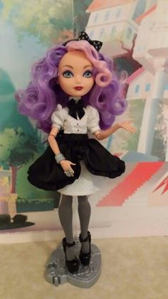 Background character Monster High Dollhouse, Monster High Dolls, Ooak Dolls, Barbie Dolls, Art Dolls, Monster High Clothes, Famous Monsters, Ever After High, Doll Repaint