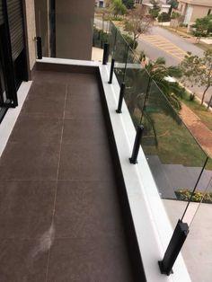 Glass Balcony Railing, Balcony Railing Design, Stair Railing, House Balcony Design, House Design, Wooden Door Design, Loft Interiors, Modern Stairs, Spanish Style Homes