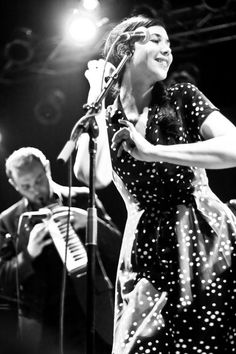 lisa hannigan - most beautiful woman in the world with the style!!!