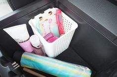 Mommy things: Like the home it's a great idea to keep essential items in your car, here are tips and ideas to keep your car organised and well stocked. Maserati Ghibli, Aston Martin Vanquish, Bmw I8, Rolls Royce, Bugatti, Porsche 911, Car Console, Organised Housewife, Truck Stickers