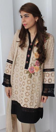 Pakistani Casual Wear, Pakistani Wedding Outfits, Pakistani Dress Design, Indian Outfits, Stylish Dress Designs, Stylish Dresses, Simple Dresses, Fashion Dresses, Beautiful Dresses