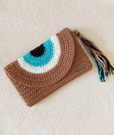 Crochet Clutch Bags, Crochet Handbags, Crochet Purses, Crochet Eyes, Hand Crochet, Free Crochet, Crochet Designs, Crochet Patterns, Crochet Bracelet Pattern