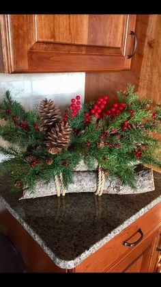 44 ideas flowers arrangements for graves christmas for 2019 Christmas Flower Arrangements, Christmas Flowers, Christmas Centerpieces, Christmas Wreaths, Christmas Crafts, Cemetary Decorations, Xmas Decorations, Memorial Flowers, Deco Floral